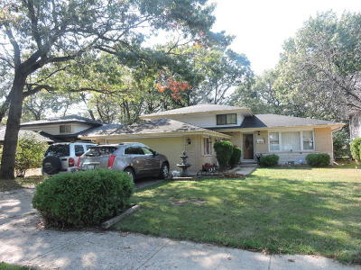 Dolton Single Family Home Contingent: 14826 Dobson Avenue