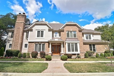 Elmhurst Single Family Home For Sale: 445 East Crescent Avenue