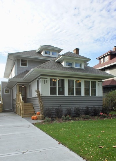 Oak Park Single Family Home Contingent: 159 North Cuyler Avenue North