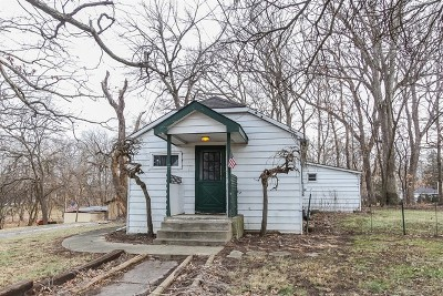 St. Charles Single Family Home Contingent: 6n911 Tuscola Avenue