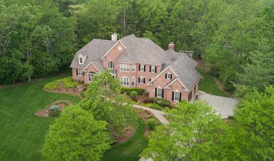 St. Charles Single Family Home For Sale: 1218 Fox Glen Drive