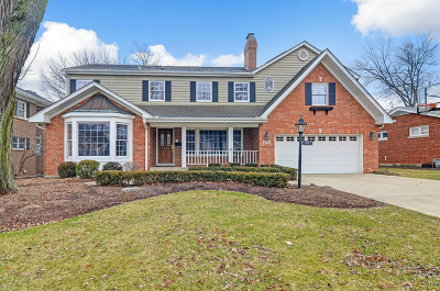 Glen Ellyn Single Family Home For Sale: 273 North Park Boulevard