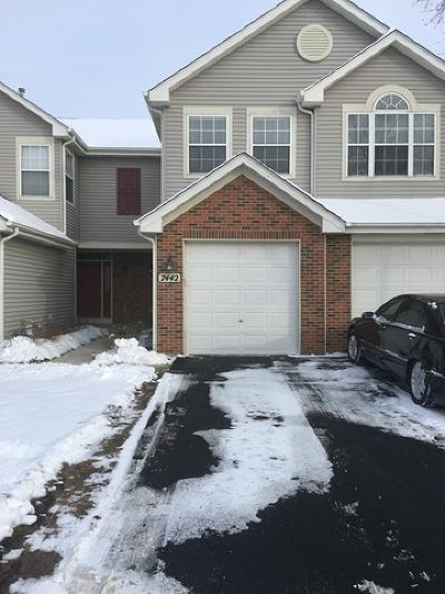 Carpentersville Condo/Townhouse For Sale: 7442 Grandview Court