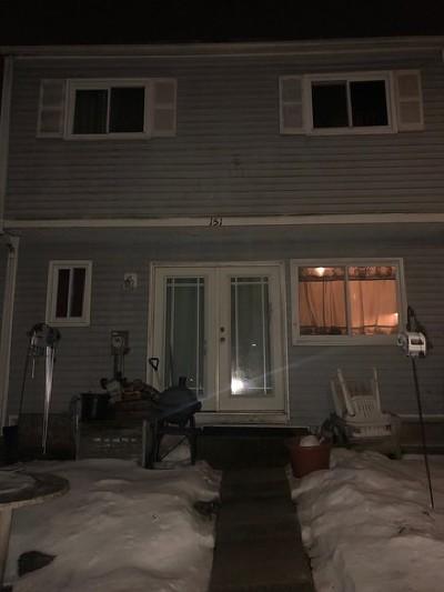 Bolingbrook Condo/Townhouse For Sale: 151 Jamestown Lane