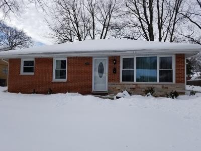 Elgin Single Family Home New: 1222 Hiawatha Drive