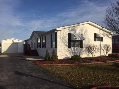 Beecher IL Mobile Home For Sale: $28,900