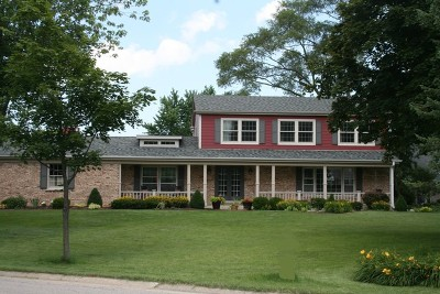 Barrington Single Family Home For Sale: 301 Fox Hunt Trail
