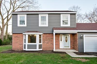 Algonquin Single Family Home For Sale: 10514 Dennis Avenue