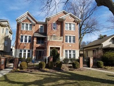 Westmont Condo/Townhouse For Sale: 310 West Burlington Avenue
