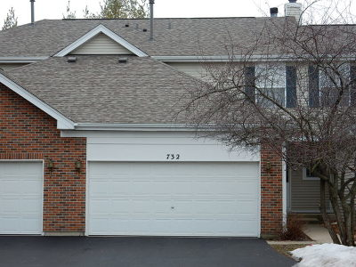 East Dundee Condo/Townhouse Contingent: 732 Timothy Court