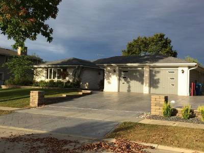 Schaumburg Single Family Home New: 104 Lynnfield Lane