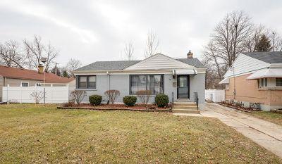 Villa Park Single Family Home For Sale: 325 West Madison Street