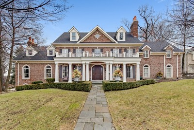 Hinsdale Single Family Home For Sale: 351 Radcliffe Way
