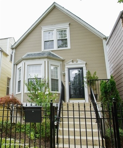 Single Family Home For Sale: 1941 West Barry Avenue