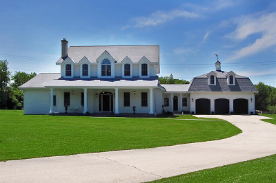Barrington Single Family Home For Sale: 220 Braeburn Road