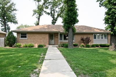 Worth Single Family Home For Sale: 7200 West 108th Place