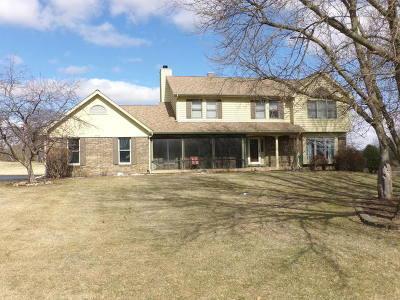 Crystal Lake Single Family Home For Sale: 3814 Tecoma Drive