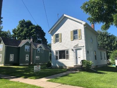 Harvard Single Family Home For Sale: 205 East Washington Street