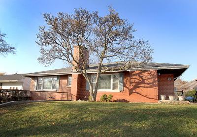 Clarendon Hills Single Family Home For Sale: 106 Burlington Avenue