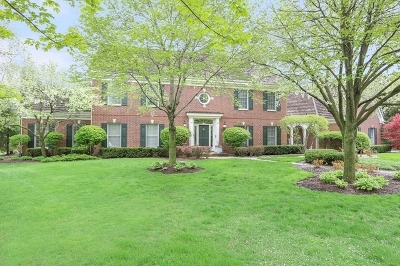 Lake Forest Single Family Home For Sale: 1035 Sir William Lane
