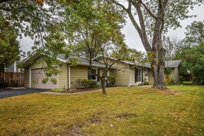 Deerfield Single Family Home For Sale: 1223 Parkside Lane