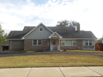 Downers Grove Single Family Home For Sale: 951 Meadowlawn Avenue