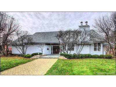 Aurora Single Family Home For Sale: 205 North Kingsway Drive