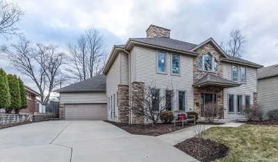 Wheaton Single Family Home For Sale: 922 Crest Street