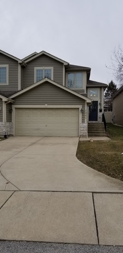 Downers Grove Condo/Townhouse For Sale: 4948 Cumnor Road