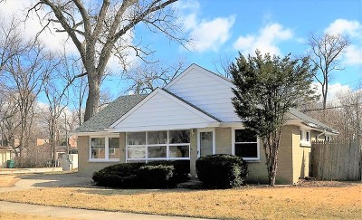 Westchester IL Single Family Home For Sale: $214,900