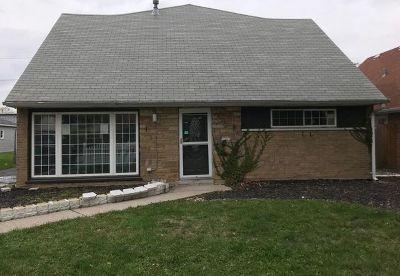 Lansing  Single Family Home For Sale: 17108 Oakwood Avenue