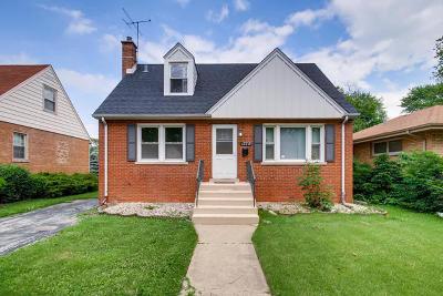 Lansing  Single Family Home For Sale: 17719 Roy Street