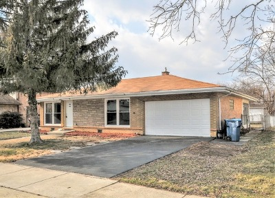 South Holland Single Family Home For Sale: 1100 East 159th Place