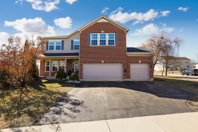 Aurora Single Family Home For Sale: 2315 Boxford Lane
