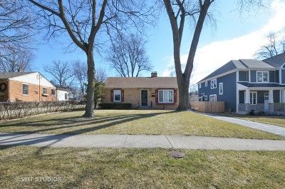 Deerfield Single Family Home For Sale: 1023 Oakley Avenue