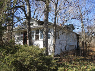 Lombard Single Family Home Re-Activated: 324 West Eugenia Street