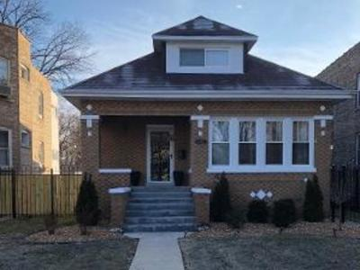 Single Family Home For Sale: 10215 South Charles Street