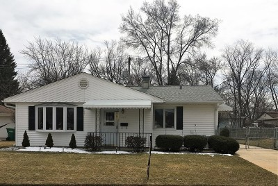 Wheeling Single Family Home For Sale: 667 South Wayne Place