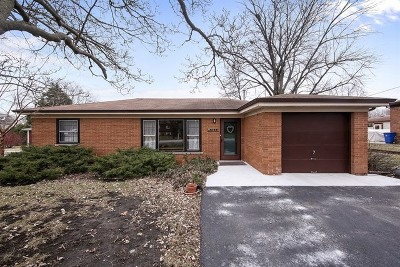 Clarendon Hills Single Family Home For Sale: 5831 Bentley Avenue