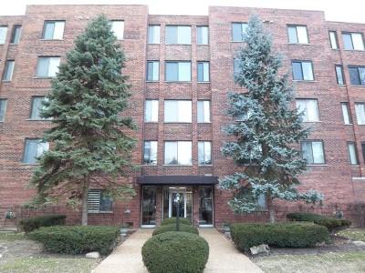 Arlington Heights IL Condo/Townhouse New: $225,000