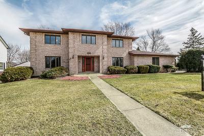 Darien Single Family Home For Sale: 7225 Clarendon Hills Road