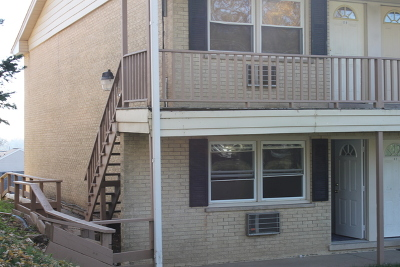 Elgin IL Condo/Townhouse New: $76,000