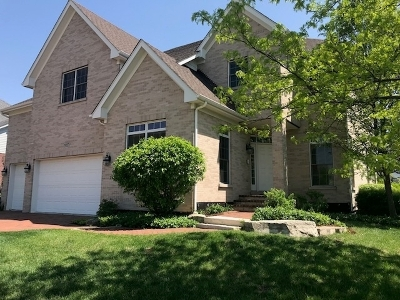Western Springs Single Family Home Contingent: 1007 Red Oak Drive