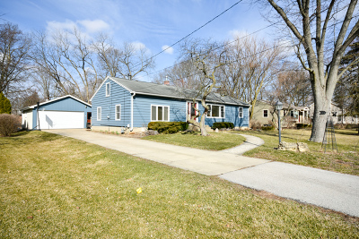 Batavia Single Family Home For Sale: 305 Evergreen Drive