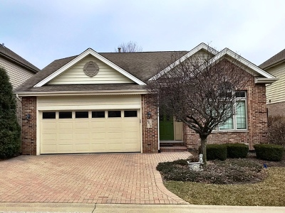 Willowbrook Single Family Home For Sale: 6418 Emerald Court