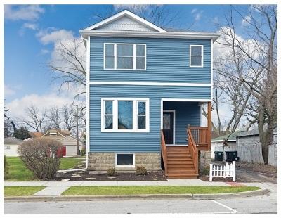 Brookfield Single Family Home For Sale: 3910 Prairie Avenue