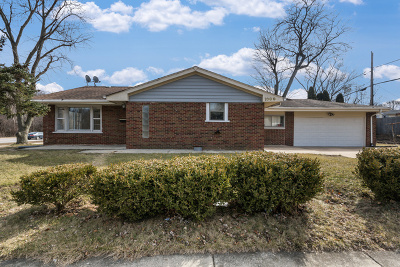 West Chicago IL Single Family Home For Sale: $239,900