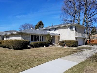 Skokie Single Family Home For Sale: 4900 West Pratt Avenue
