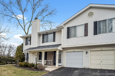Clarendon Hills Condo/Townhouse For Sale: 327 Coventry Court