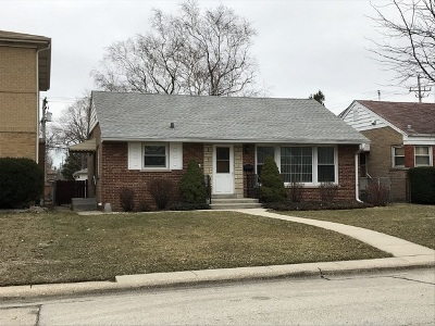 Skokie Single Family Home For Sale: 7609 Park Avenue